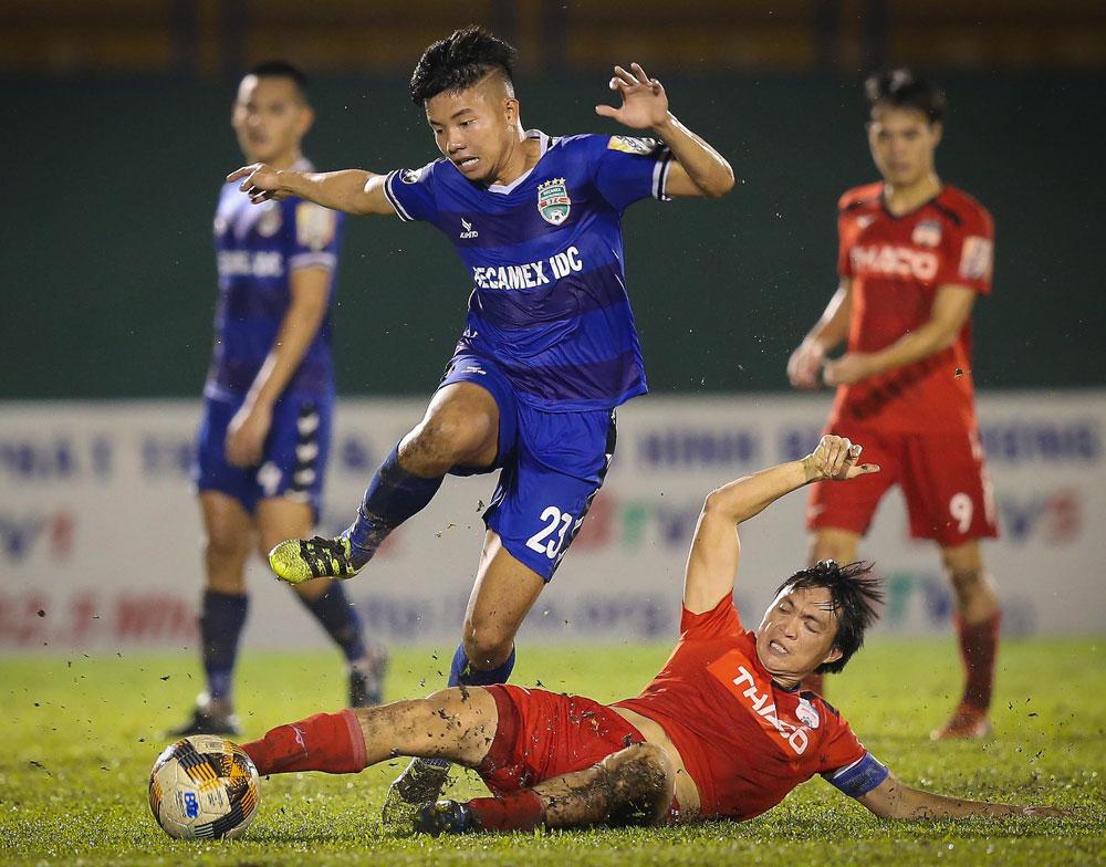 Chuyên gia Việt nói về mất mát của V-League nếu HAGL rớt hạng - Bóng Đá