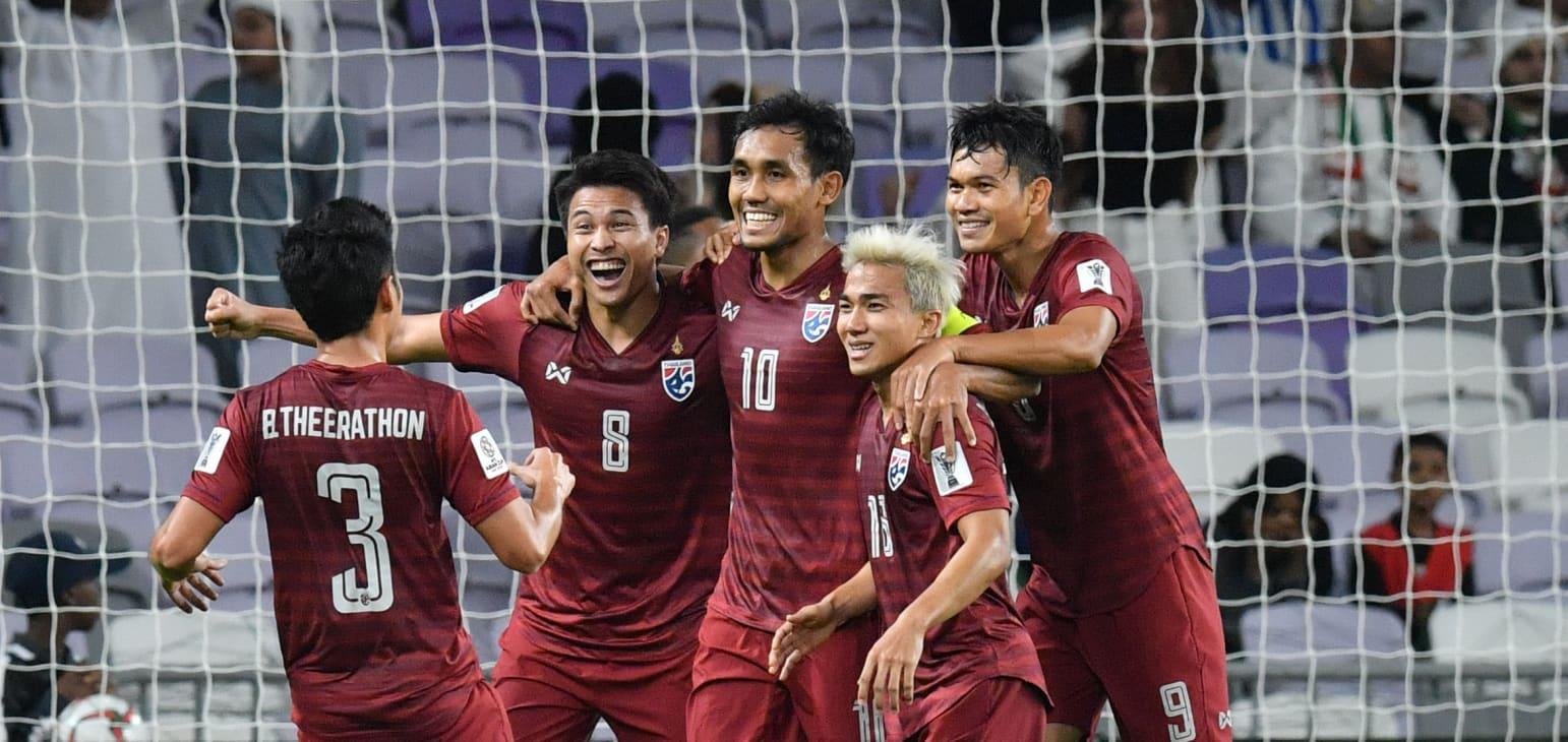 HLV Akira Nishino gạch tên hai tiền đạo chủ lực của ĐT Thái Lan trước trận gặp Việt Nam - Bóng Đá