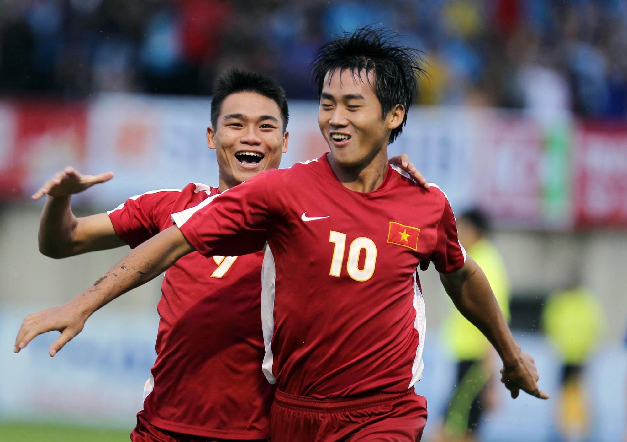 Chuyên gia Việt nói về khả năng cạnh tranh của Hà Minh Tuấn với Anh Đức ở ĐT Việt Nam - Bóng Đá