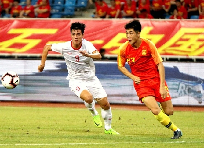 Điểm tin bóng đá Việt Nam sáng 10/09: HLV Guus Hiddink muốn Văn Hậu noi gương Park Ji Sung - Bóng Đá