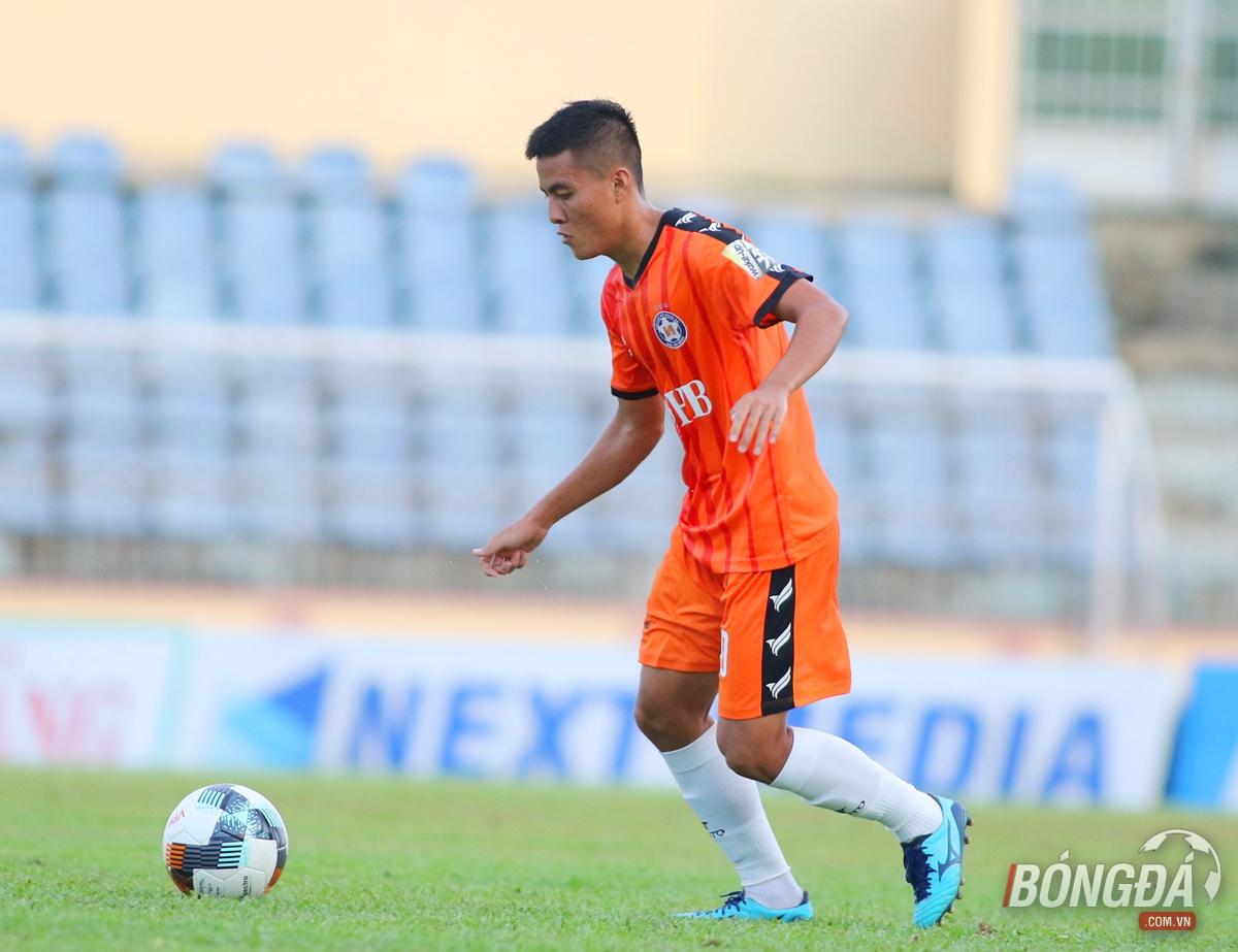 HLV Lê Huỳnh Đức hài lòng với màn thể hiện của cựu tuyển thủ U19 Việt Nam - Bóng Đá