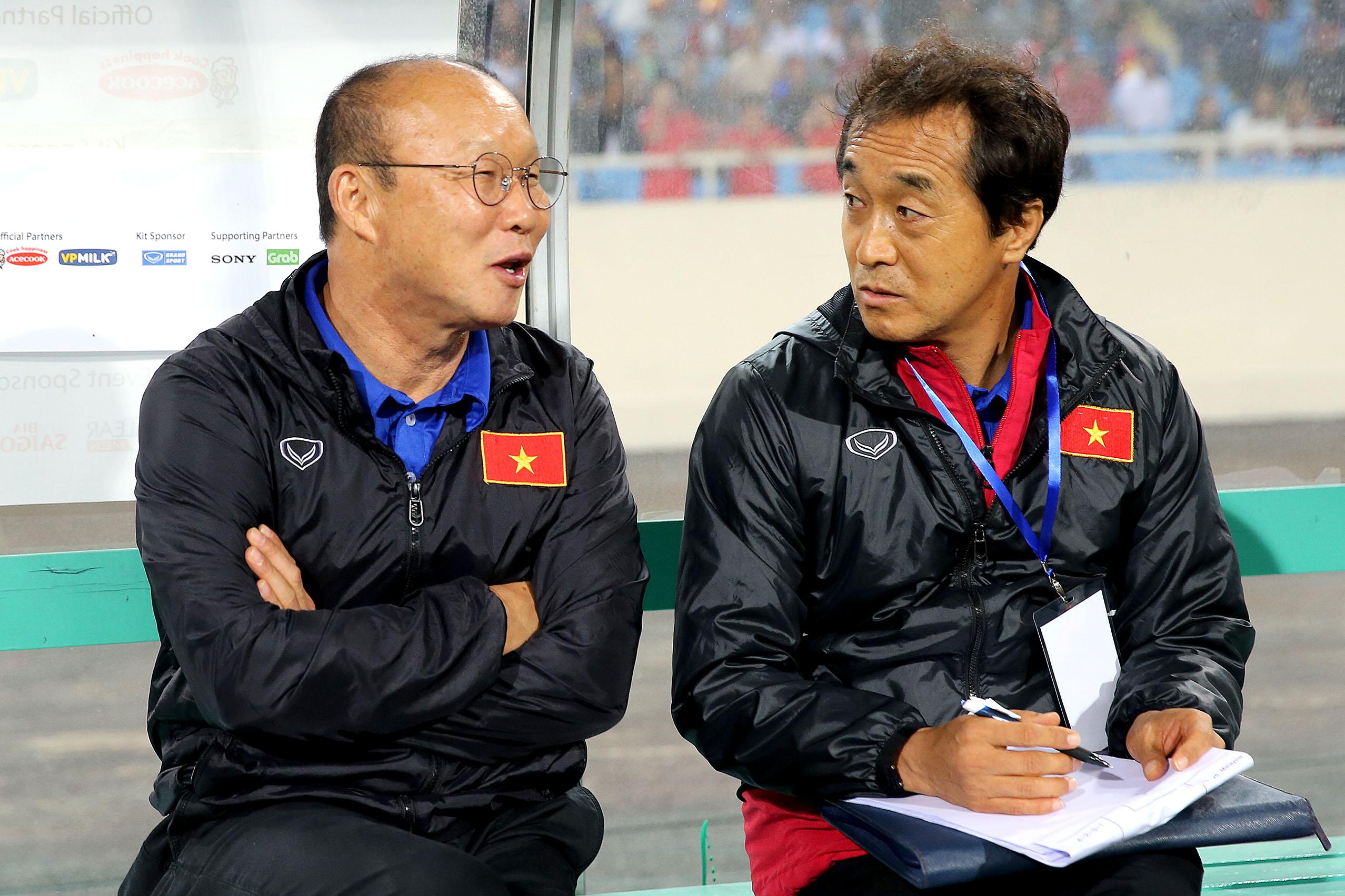 Điểm tin bóng đá Việt Nam tối 15/09: VFF phản pháo báo Hàn về việc