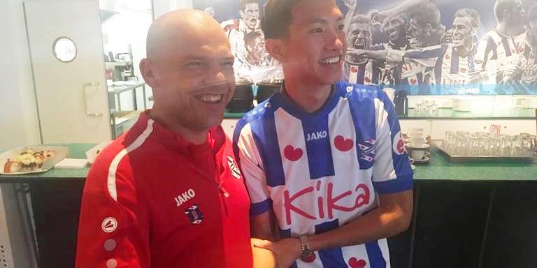 HLV SC Heerenveen nói điều khiến Văn Hậu