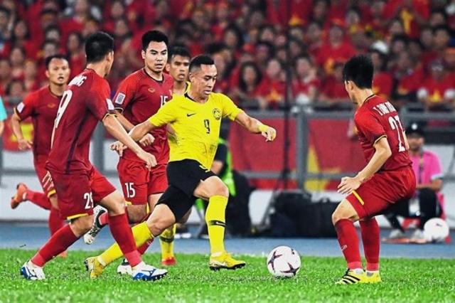 Điểm tin bóng đá Việt Nam tối 10/10: Công Phượng và Văn Hậu đá chính trước Malaysia - Bóng Đá