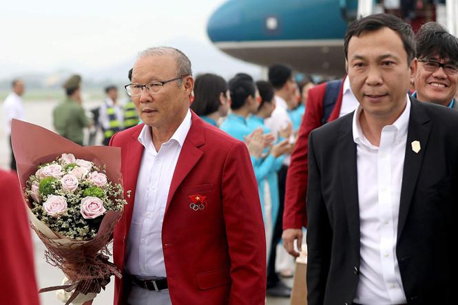 Điểm tin bóng đá Việt Nam tối 13/10: Công Phượng nêu lý do thi đấu không tốt trước ĐT Malaysia - Bóng Đá