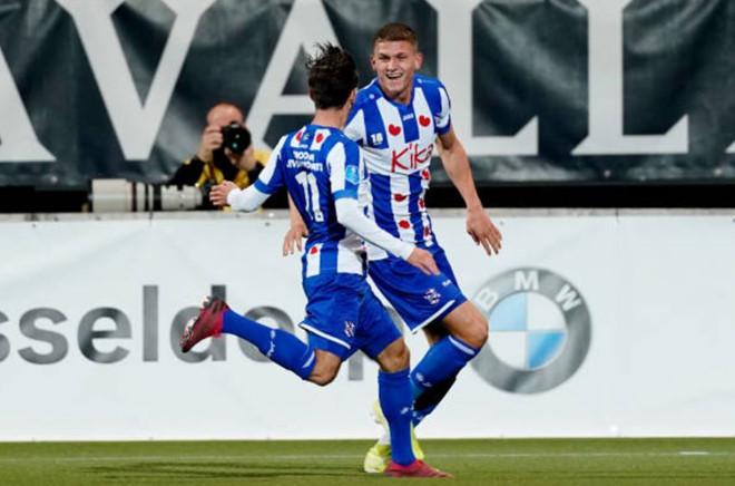 Văn Hậu tiếp tục dự bị, SC Heerenveen thắng đội bóng vừa thắng Manchester United - Bóng Đá