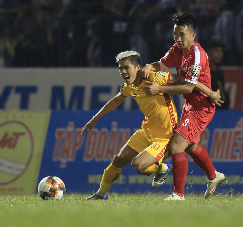 Vòng cuối V-League 2019: Vừa đá vừa nối mạng - Bóng Đá