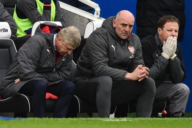 Emery đến, huyền thoại Arsenal sắp