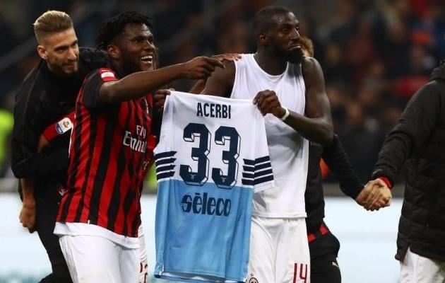 Trọng tài không nghe thấy lời lẽ CĐV Lazio phân biệt chủng tộc - Bóng Đá