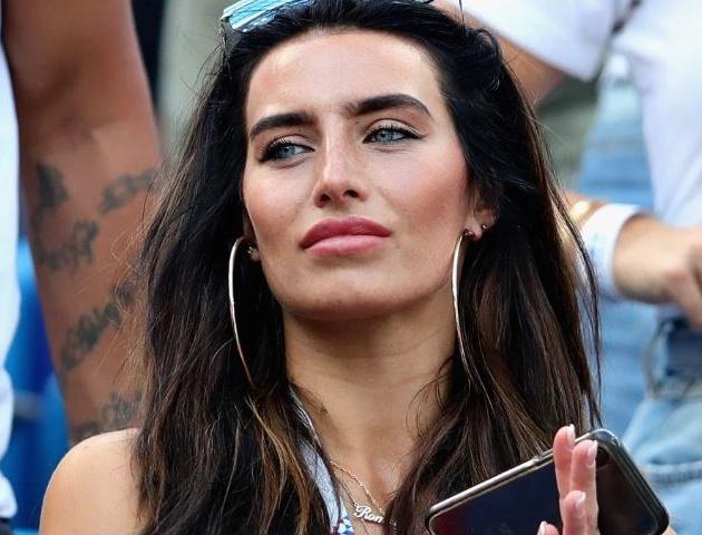 Hậu ly dị, sao Manchester City vung tiền mua xe 90000 bảng giải sầu - Bóng Đá