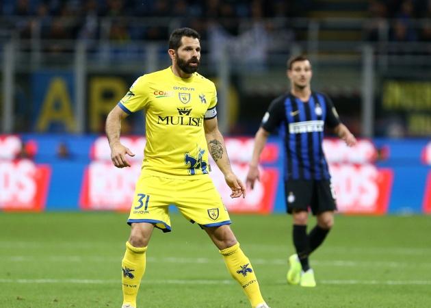 Chievo tri ân lreo vĩnh viễn chiếc áo của Sergio Pellissier - Bóng Đá