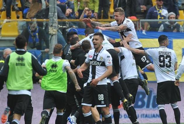 Đánh bại Fiorentina, Parma chính thức ở lại Serie A - Bóng Đá