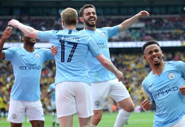 Man City stars Kompany, Silva, De Bruyne and Co celebrate historic Treble and say farewell to legendary skipper - Bóng Đá