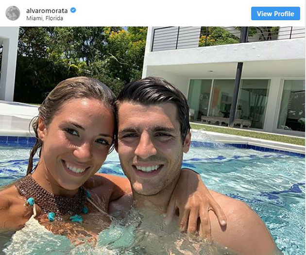 Alvaro Morata and stunning wife put on brave faces on trip out with twins as couple plan to move house after horrifying raid - Bóng Đá