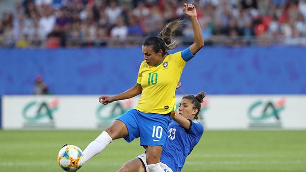 Ảnh nữ Ý Brazil - Bóng Đá