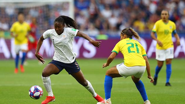 Ảnh nữ Pháp vs Brazll - Bóng Đá