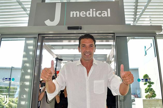 CHÍNH THỨC: Huyền thoại Gianluigi Buffon đã trở về Juventus - Bóng Đá