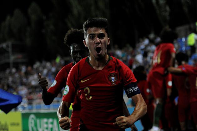 Ảnh: Đàn em Cristiano Ronaldo vùi dập Azzurrini  - Bóng Đá