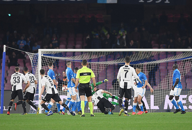 Juve to rescind 'racist' Napoli ban - Bóng Đá