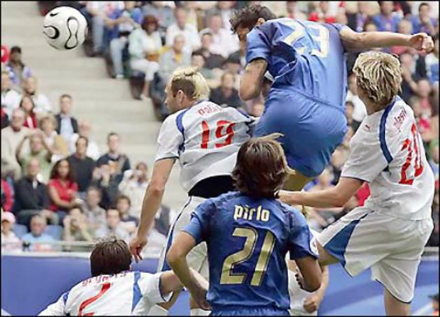 Marco Materazzi: Kẻ thù trong mắt người Pháp, 'Siêu anh hùng' của nước Ý - Bóng Đá