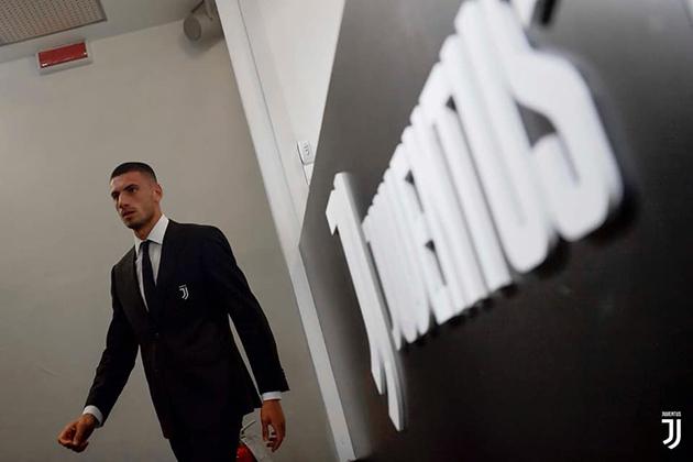 Merih Demiral: Câu chuyện rơi nước mắt về số áo 'ít đụng hàng' tại Juve - Bóng Đá