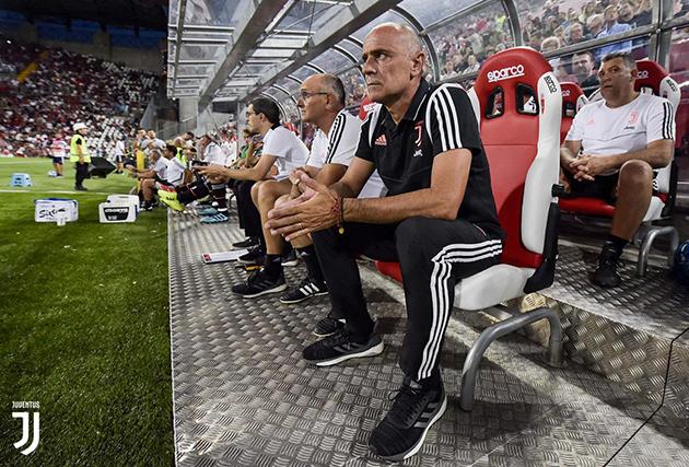 NÓNG: Trang chủ Juventus xác nhận HLV Sarri mắc bệnh liên quan đến phổi - Bóng Đá
