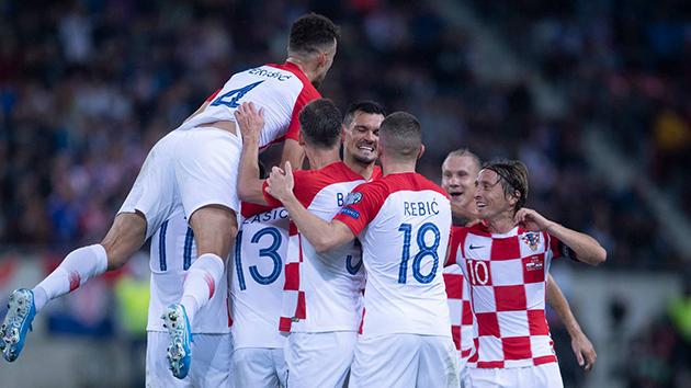 Đại thắng 'Derby Đông Âu', Á quân World Cup thị uy sức mạnh (ảnh trận Croatia - Slovakia - Bóng Đá