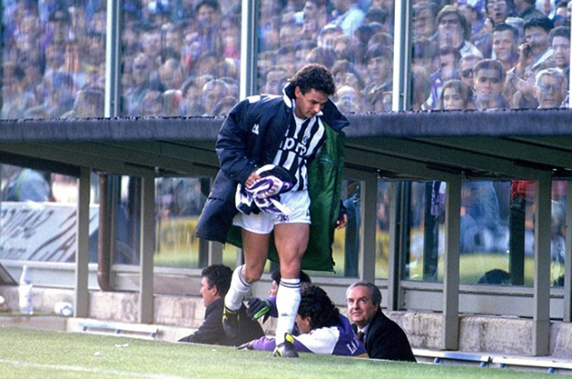 Juventus đối đầu Fiorentina: Mối thâm thù kéo dài gần 40 năm - Bóng Đá