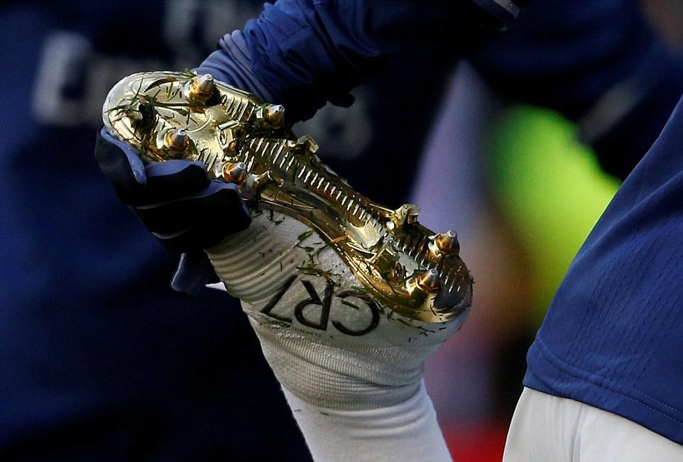 Chùm ảnh: Real vùi dập Granada 5 bàn không gỡ