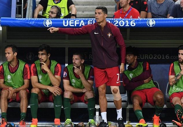 Chùm ảnh: Ronaldo được vinh danh - Bóng Đá