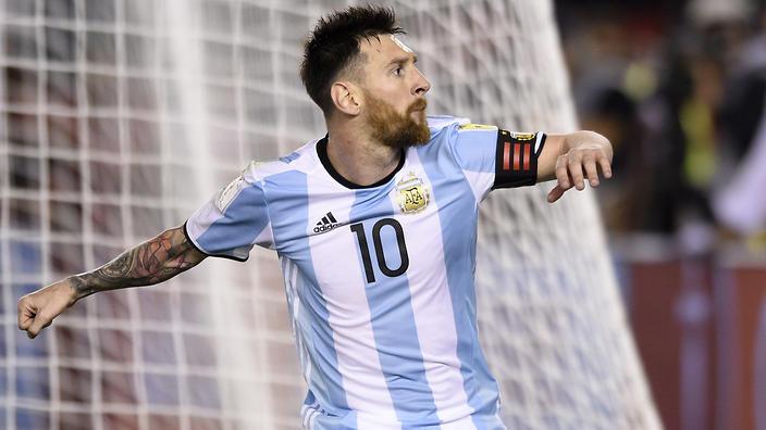 Juanfran: Barca không chỉ có mỗi Messi - Bóng Đá