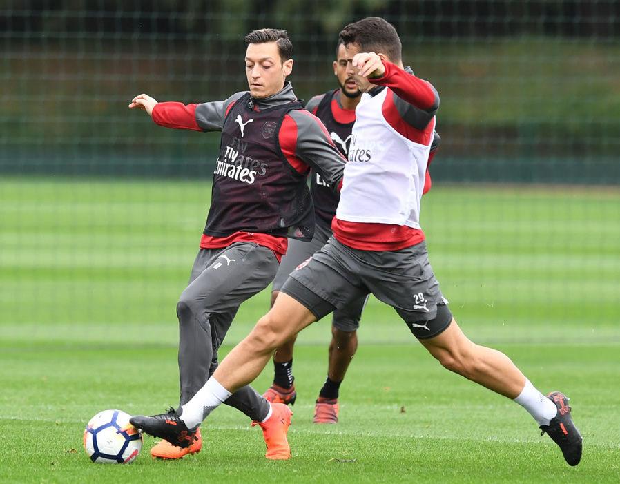 Arsenal tập luyện - Bóng Đá
