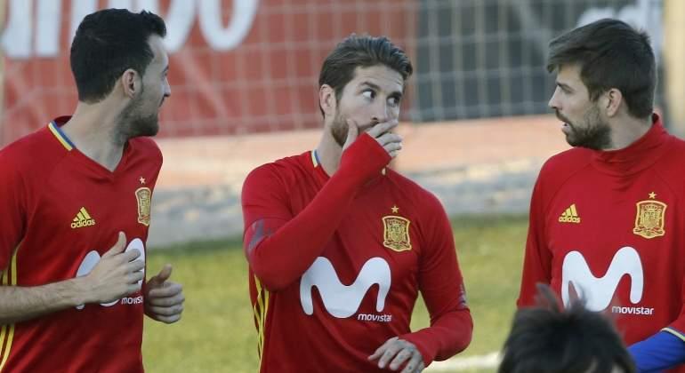 Ramos, Pique, Busquets đồng loạt dọa rời ĐT Tây Ban Nha - Bóng Đá