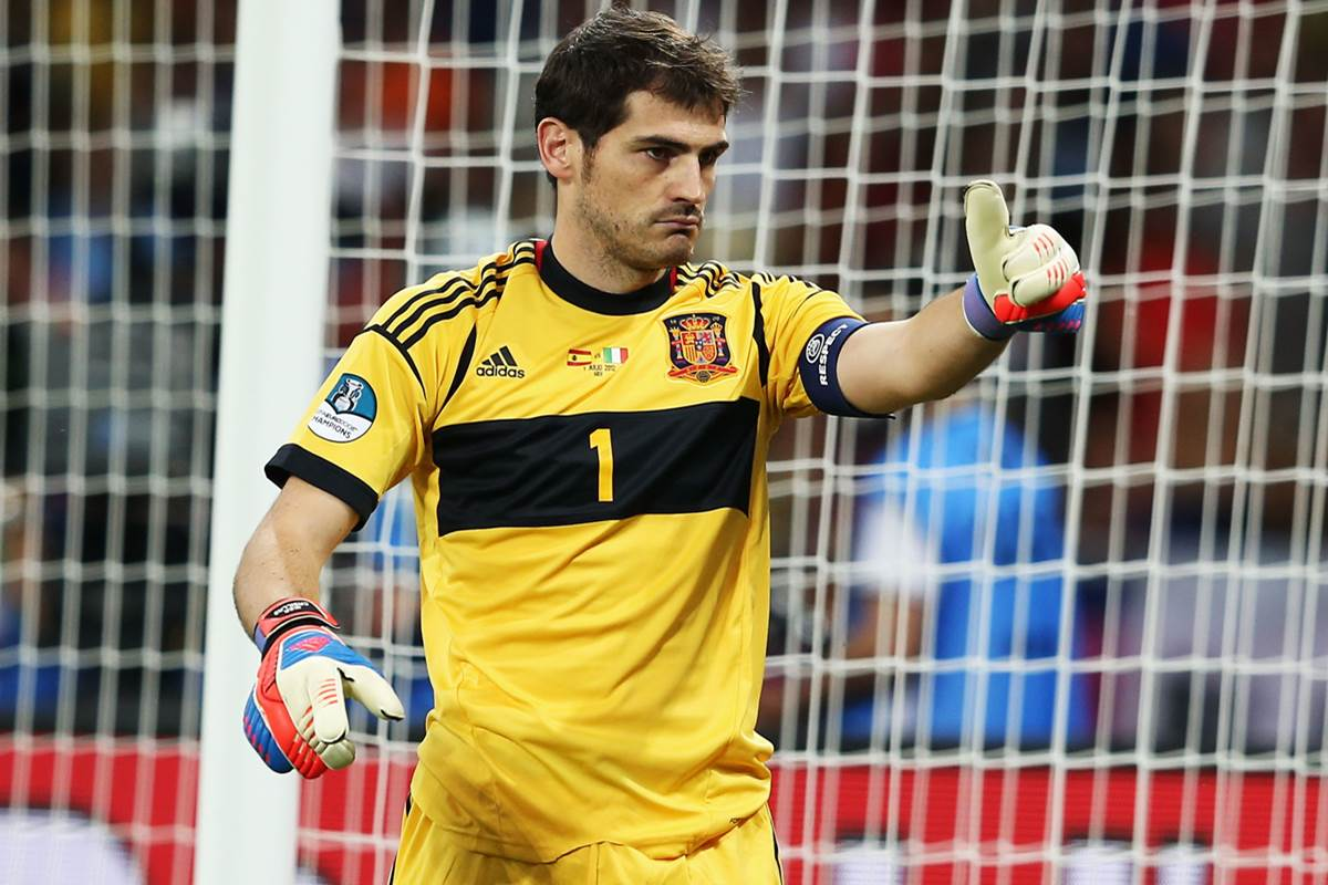 NÓNG: Liverpool muốn chiêu mộ Iker Casillas - Bóng Đá