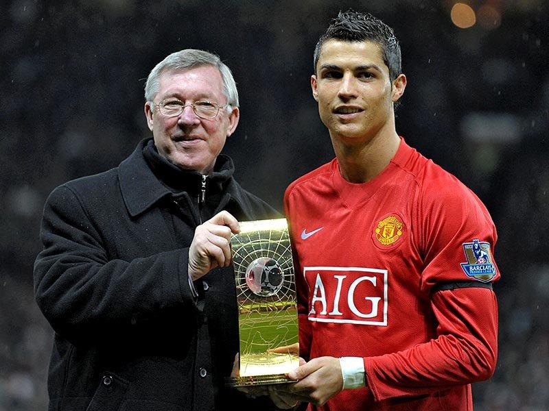 Ronaldo thả thính Mourinho - Bóng Đá