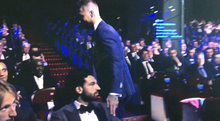 phản ứng của Salah khi gặp lại Ramos? - Bóng Đá