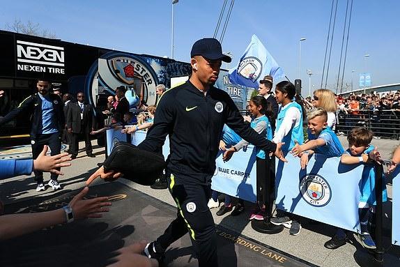 TRỰC TIẾP Man City vs Tottenham: Pep dùng 2 'măng non' (Đội hình ra sân) - Bóng Đá