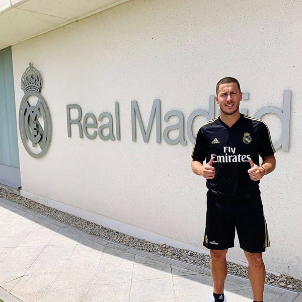Hazard mặc số 23 của Real - Bóng Đá