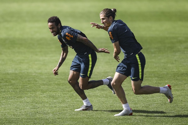 filipe-luis-hopes-neymar-returns-to-barca-for-the-good-of-brazilian-football - Bóng Đá