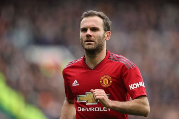 Juan Mata chỉ ra thủ lĩnh phòng thay đồ của Man Utd - Bóng Đá