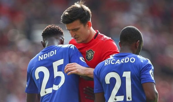 Maguire gặp đồng đội cũ sau trận đấu - Bóng Đá