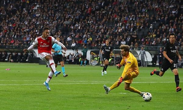Saka phá vỡ kỷ lục của Ramsey - Bóng Đá