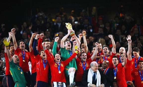 Tây Ban Nha ra sân với 11 cầu thủ tới từ 11 CLB khác nhau - Bóng Đá