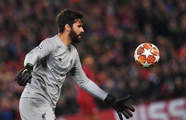alisson tiết lộ cách đánh bại Barca - Bóng Đá