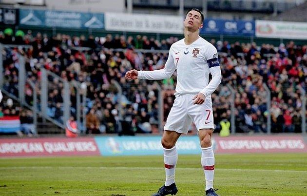 Sự khác biệt về số bàn thắng giữa Messi và Ronaldo trong màu áo ĐTQG - Bóng Đá