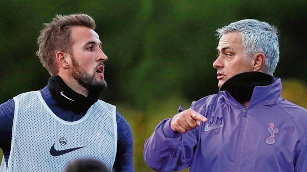 Jose Mourinho muốn sở hữu Cavani - Bóng Đá