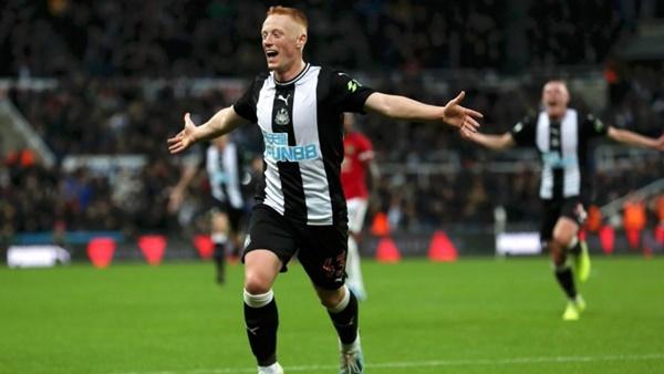 5 cầu thủ dưới 20 tuổi đã gây ấn tượng ở Premier League mùa này - Bóng Đá