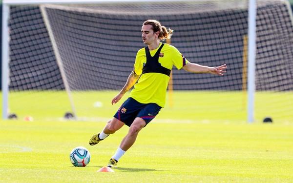 Ảnh Barca trở lại tập luyện - Bóng Đá