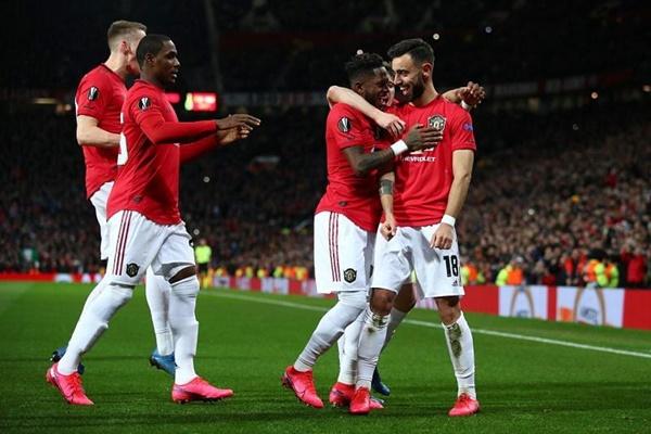 10 CLB có lượng fan đông đảo nhất trên MXH: Man Utd hạng 3 - Bóng Đá