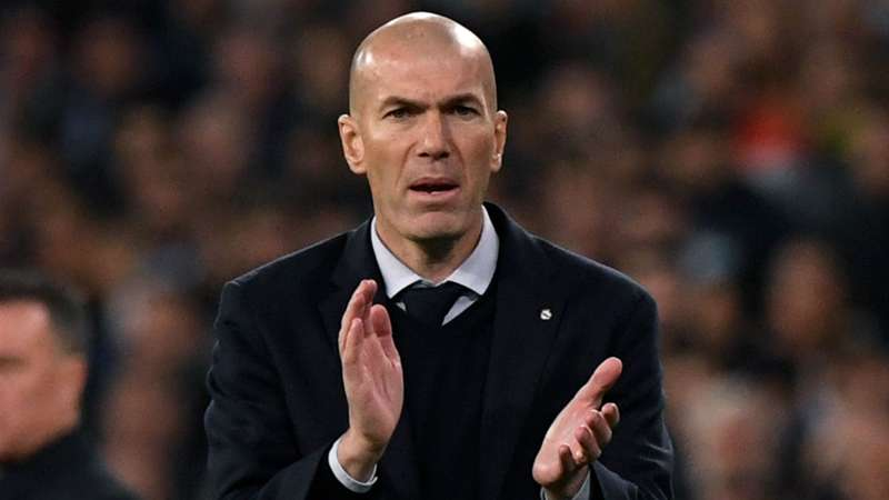 Zidane từ chối mua sắm - Bóng Đá